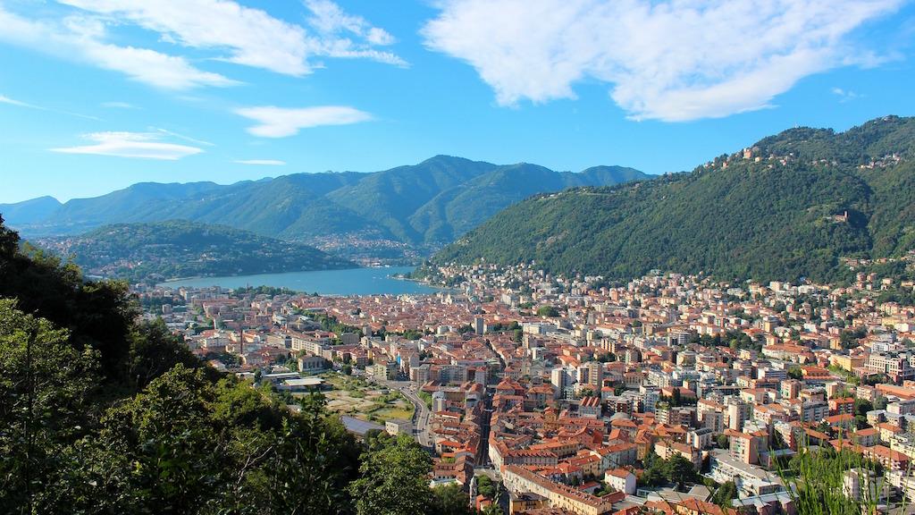 5 Reasons to Visit Lake Como
