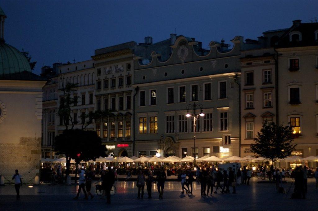 krakow-by-night