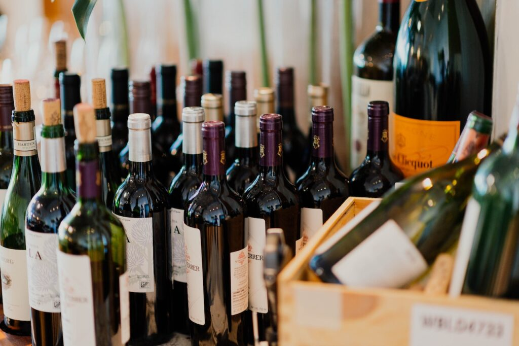 Which Wines are Perfect with Fish Dishes? Underground Cellar Explains